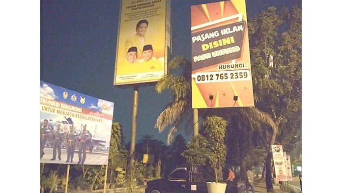Tiang Reklame Tak Berizin Belum Kunjung Ditebang, Dewan Tagih Janji Pemko
