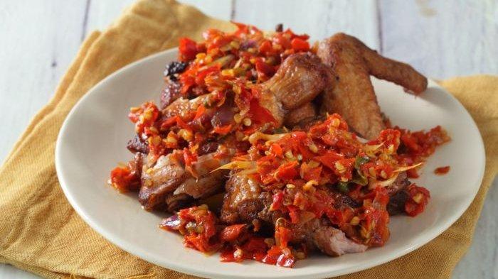 Aneka Menu Buka Puasa Hari Pertama dan Resepnya, Ayam Penyet Sambal Serai dan Tumis Tofu Seledri
