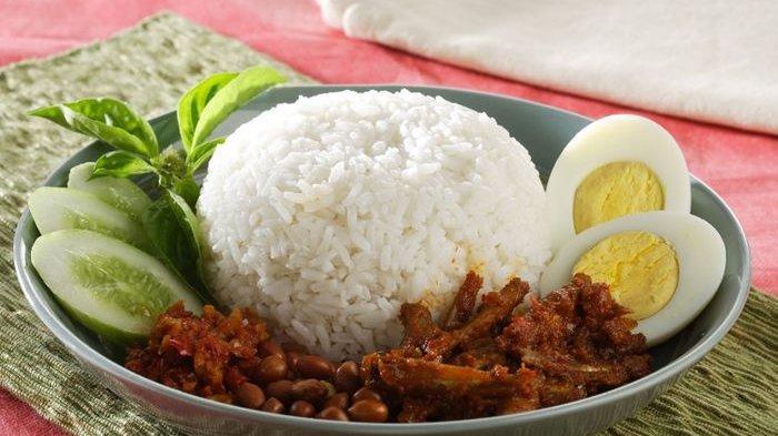 Resep Nasi Lemak, Cara Membuat Nasi Lemak, Sajikan dengan Sambal Ikan, Sambal Ulek, dan Pelengkap