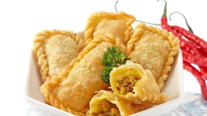 Resep Pastel Renyah Isi Daging Sayur dan Pastel Ayam Kari Serta Cara Membuatnya