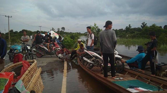 Riau Siaga Banjir dan Longsor, Debit Air Sungai Kampar Surut 2Cm, Warga Terdampak di Pelalawan Tetap