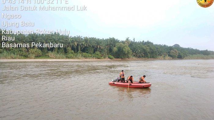 Riko Hilang Tenggelam Saat Seberangi Sungai Rokan IV Koto, Sempat Minta Tolong ke Temannya