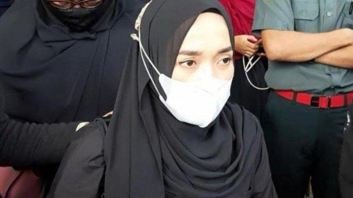 Ririe Fairuz, Istri Ayus Sabyan saat di Pengadilan Agama Jakarta Utara, Rabu (3/3/2021)