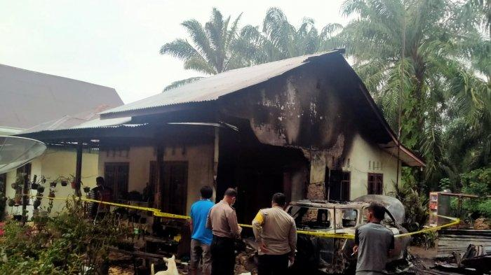 Wuss,Tetiba Muncul Api dari AC Usai Berbunyi Aneh,Rumah Petugas Gereja HKBP Ruth Bengkalis Terbakar