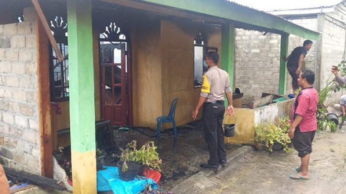 Percikan Api dari Saklar MCB Bikin Satu Unit Rumah Ludes Terbakar di Desa Bukit Kemuning Kampar Riau