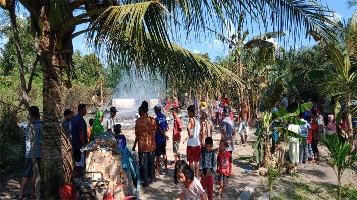 Ditinggal Sebentar, Rumah dan Harta Benda Petani di Siak Ludes Terbakar Jelang Sore Hari