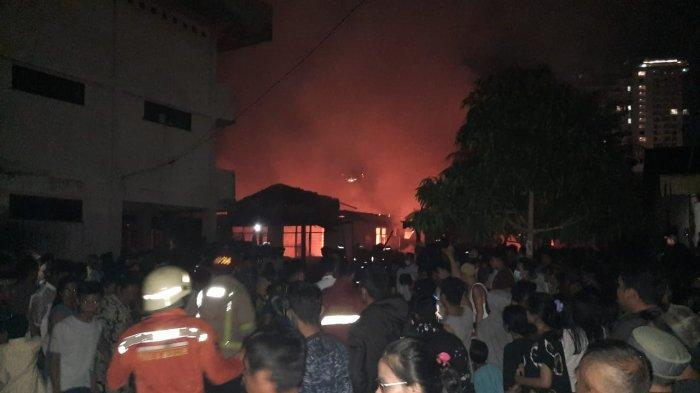 Jamalis Lihat Api di Atas Rumah, Kebakaran di Pekanbaru Hanguskan 5 Rumah di Jalan Pangeran Hidayat