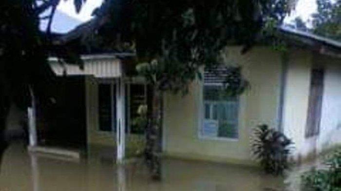 Sungai Meluap, Puluhan Rumah di Kuok Terendam Banjir
