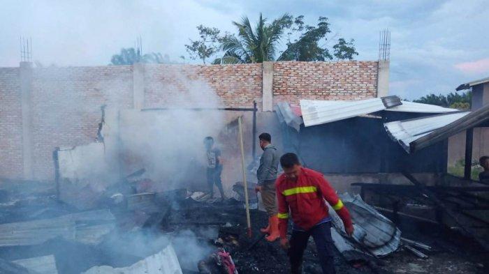 Rumah Hancur,Harta Ludes,Dokumen Hangus, Ratusan Juta Kerugian Iman Parlindungan Akibat Amukan Api