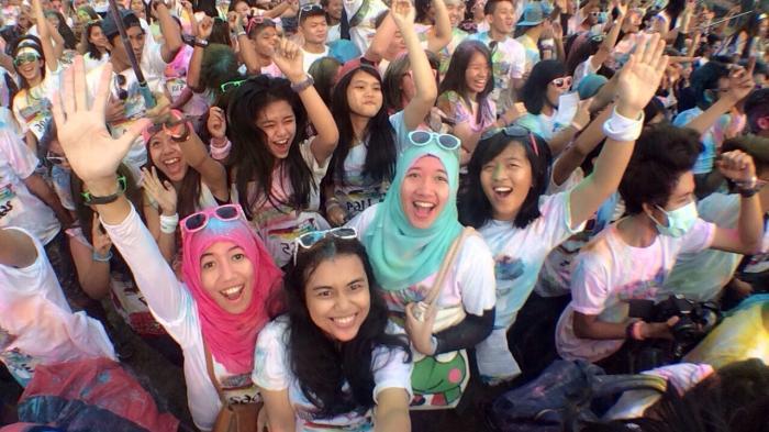 Run and Color Party Berlangsung Meriah