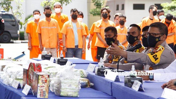 FOTO : Polda Riau Ungkap Kasus Narkoba Jaringan Internasional - sabu-internasional2.jpg