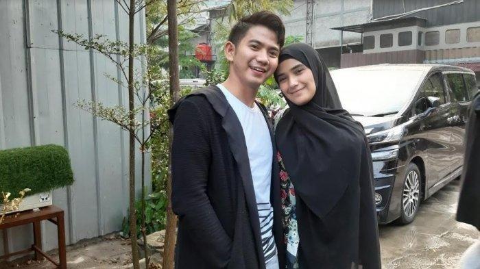 Rizki DA dan Nadya Mustika Rahayu Istrinya