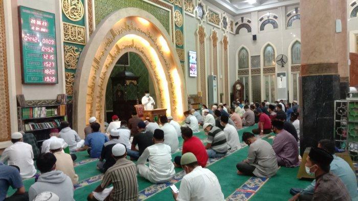 Salat Tarawih dan Ibadah Ramadhan di Masjid, Imam Dianjurkan Ringankan Bacaan Salat