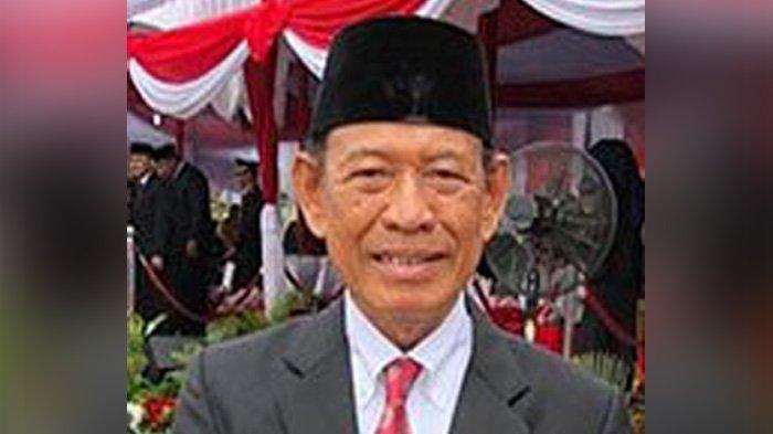 Gubernur Riau ke-7, Saleh Djasit