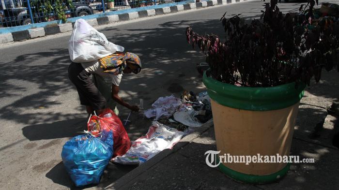 Warga Sekar Mawar Inhu Diajak Tukar Sampah Jadi Makanan