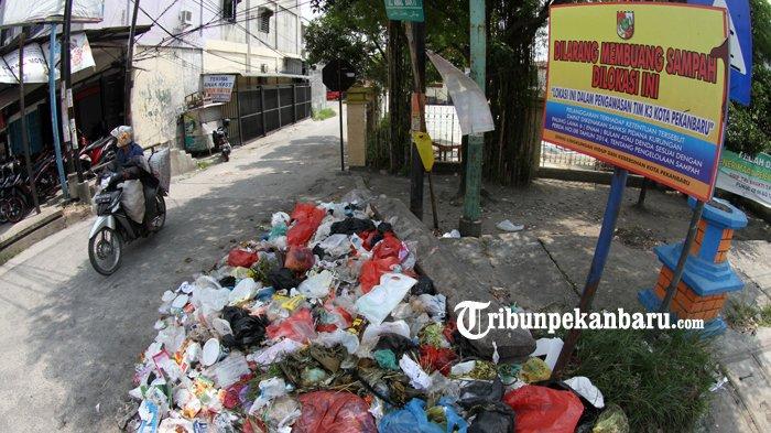 Siapkan Rp 2,5 Juta Bila Berani Buang Sampah Sembarangan di Pekanbaru Riau