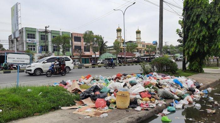 Perda Sudah Disahkan, DPRD Pekanbaru Berharap Sampah Warga Diangkut, Pastikan Tak Ada Pungli