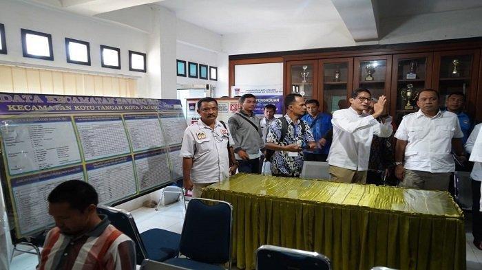 Tiba di Padang, Sandiaga Uno Tinjau Rekapitulasi di PPK Koto Tangah