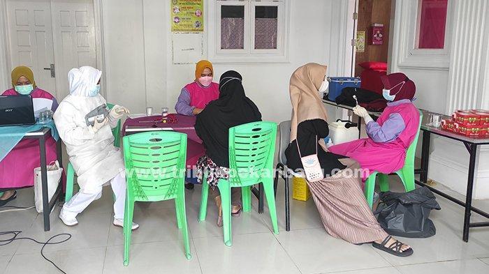 Foto : Vaksinasi Covid 19 Bagi Para Santri di Pekanbaru - santriwati-pesantren-miftahul-huda2.jpg