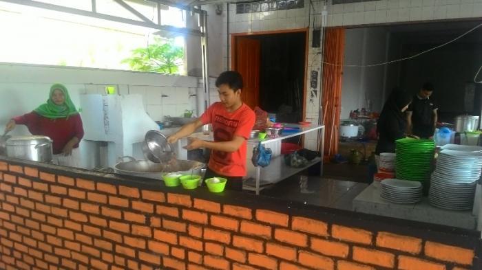 Sarang Kepiting Buka Cabang di Jalan HR Soebrantas