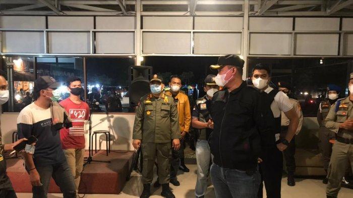 Satpol PP Pekanbaru dan Aparat Gabungan Kembali Bubarkan Pengunjung Kafe