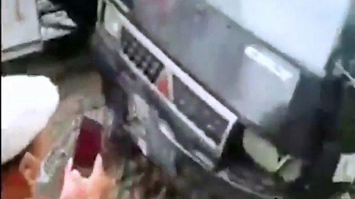 Satu unit mobil box tertabrak kereta api di Desa Sidourip, Kecamatan Beringin, Kabupaten Deliserdang, Sumatera Utara, pada pukul 12.34 WIB, Rabu (2/6/2021).