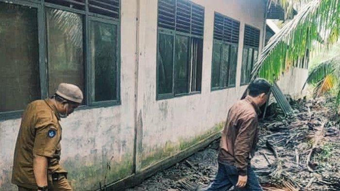 Ada yang Nyaris Ambruk Bahayakan Murid,Banyak SD di Concong Memprihatinkan,Apa Upaya Disdik Inhil? - sdn-09-kampung-baru.jpg