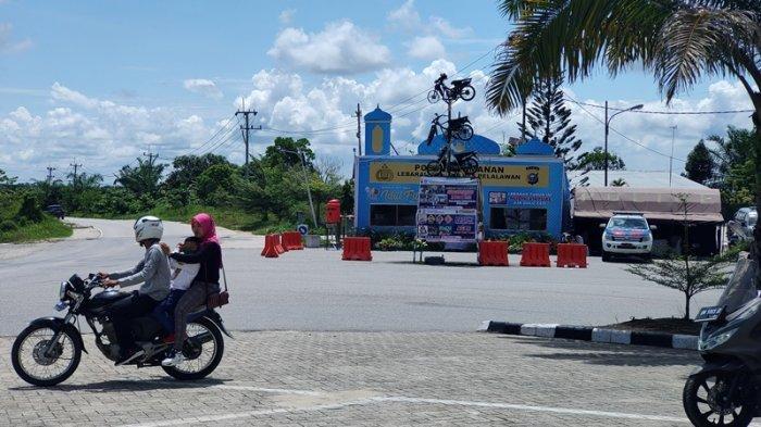 Sejumlah Toko Mulai Buka dan Jalanan Kembali Ramai di Pangkalan Kerinci pada Hari Kedua Lebaran