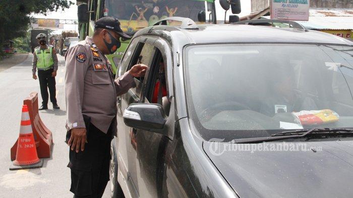 FOTO : Penyekatan Arus Mudik di Jalan Lintas Timur Riau - sekat-jalintim.jpg