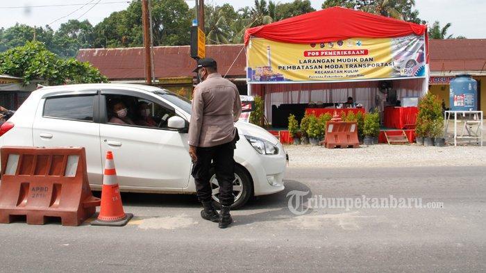 FOTO : Penyekatan Arus Mudik di Jalan Lintas Timur Riau - sekat-tenayan.jpg