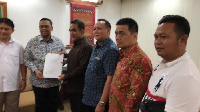 Siapkan Berkas Seharian, Lukman Edy-Hardianto Pilih Daftar ke KPU Riau MalamIni