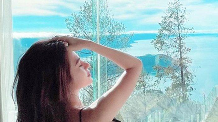 Selebgram Cantik Asal Medan Aldira Chena Pakai Lingerie, Bikin Penasaran
