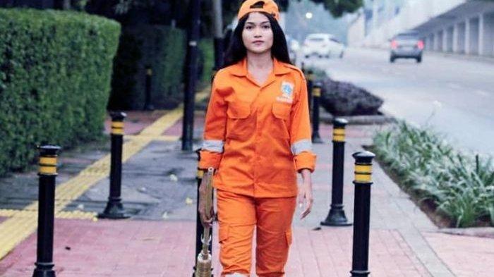 Sempat Viral Karena Berparas Cantik, Sellha Purba sang Penyapu Jalanan Ibu Kota Ditabrak