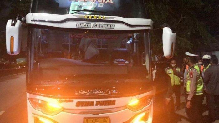 Usaha Sopir Sudah Maksimal, Polisi Ternyata Lebih Jeli, 47 Penumpang Bus Patah Hati, Mudiknya Gagal