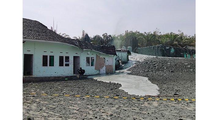 Semburan gas di Pondok Pesantren (Ponpes) Al Ihsan di Kecamatan Tenayan Raya, Kota Pekanbaru, terpaksa dihentikan, Kamis (4/2/2021).