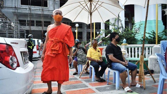 Saat Raja Thailand Hidup Mewah di Karantina, Sementara Rakyatnya Berjuang Melawan Pandemi Covid-19