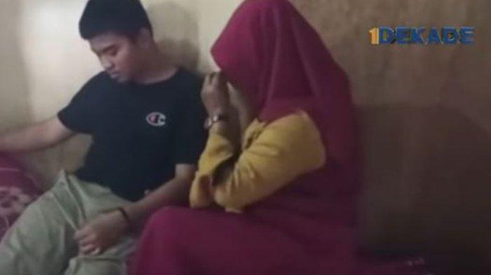 Seorang pelajar di Kabupaten Enrekang, Sulawesi Selatan tak bisa berjalan usai disuntik vaksin dosis pertama.