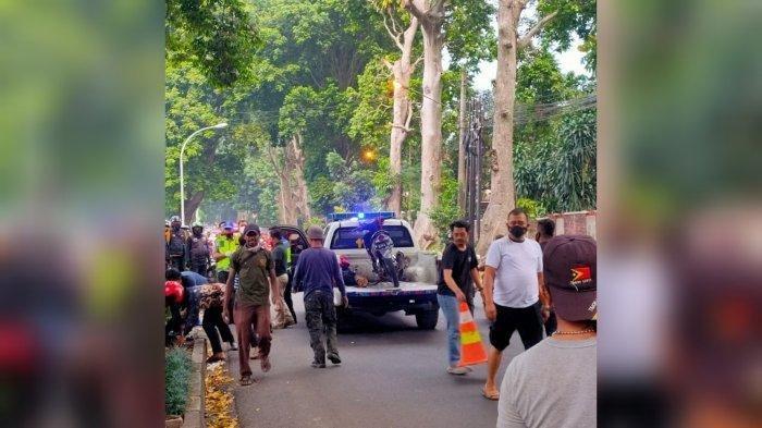 Seorang pelajar inisial MG (17) meninggal dunia tertimpa batang pohon yang jatuh di Jalan Ahmad Yani, Kecamatan Tanah Sareal, Kota Bogor, Minggu (10/10/2021).