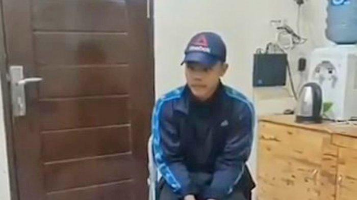 Seorang pria bernama Imam Kurniawan ditangkap pihak kepolisian, karena memberikan komentar negatif dalam insiden kapal selam KRI Nanggala-402 yang dinyatakan tenggelam di perairan Bali.