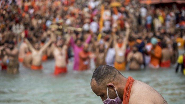 Covid-19 Meledak di India, Ritual Keagamaan di Sungai Gangga Langgar Protokol Kesehatan
