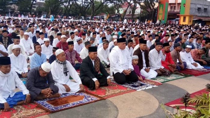 Tidak Ada Daerah yang Zona Merah Zona Oranye, Kabupaten di Riau Ini Gelar Sholat Ied di Masjid
