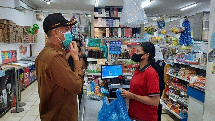 Wali Kota Dumai Tegur Pengunjung Toko yang Tak Pakai Masker, Hari Ini Dumai Terapkan PPKM Level 3