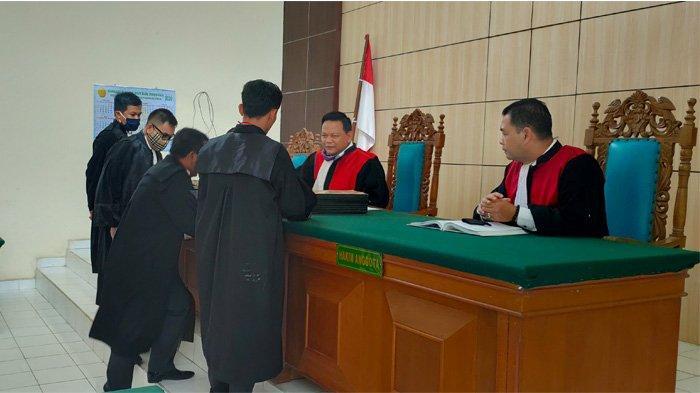 Perwakilan Terdakwa Tak Hadir, Hakim Tunda Sidang Perkara Karhutla PT Adei Plantation di Pelalawan