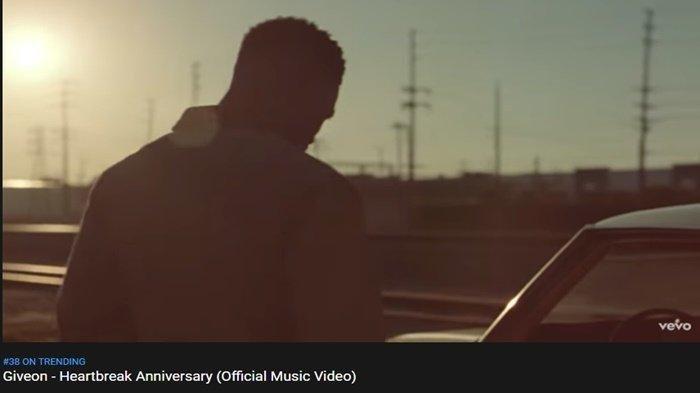 Download Lagu Heartbreak Anniversary Tiktok MP3 Versi Lengkap, Cek Akses Link Download Lagu Ini