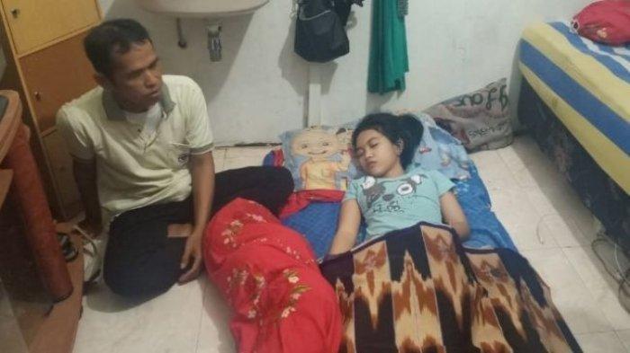 Siti Raisa Miranda atau Echa, Putri Tidur asal Banjarmasin yang tertidur selama 13 pada 2017 lalu. Kini kembali tertidur.