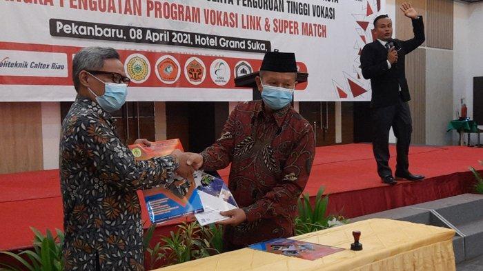 SMK Bina Profesi Pekanbaru Inisiasi MoU dengan Kadin Riau dan Perguruan Tinggi Vokasi di Riau