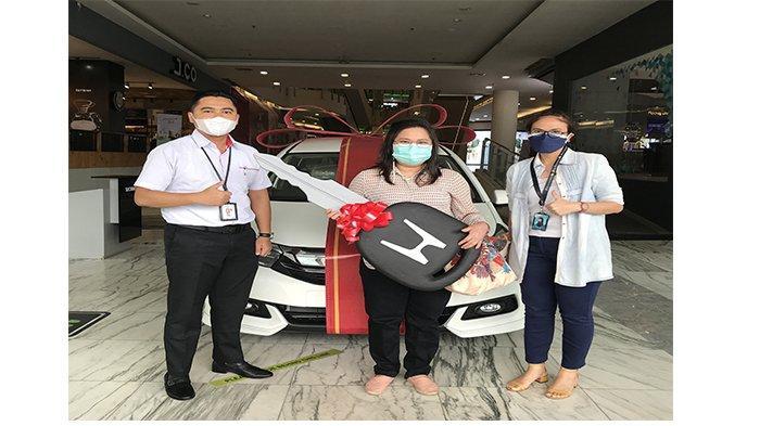 Pengundian Soph15ticated Prize: Hadiah Ulang Tahun Ibu Linda Wati berupa 1 unit Mobil Honda Mobilio
