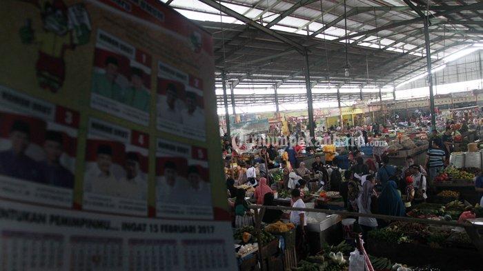 FOTO : Sosialisasi Pilwako di Pasar Pagi Arengka Pekanbaru - sosialisasi-kpu-ke-pasar-nih_20170127_140943.jpg