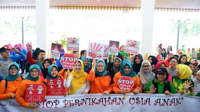 TP PKK Riau Deklarasi Gerakan Stop Pernikahan Usia Anak