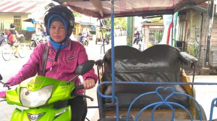 STORY - Kisah Ibu Empat Anak Jadi Pengemudi Becak Motor di Selatpanjang, Tetap Siapkan Sarapan Anak